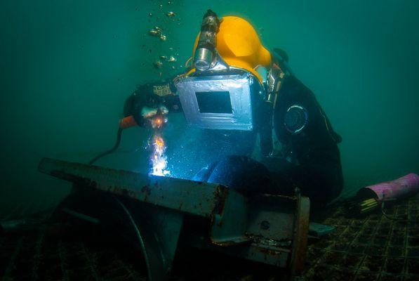 Arbeiten unter Wasser III