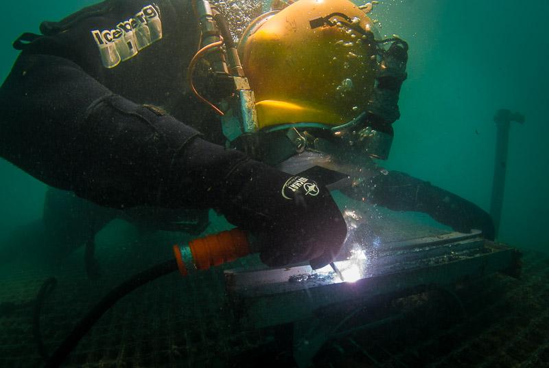 Arbeiten unter Wasser IV