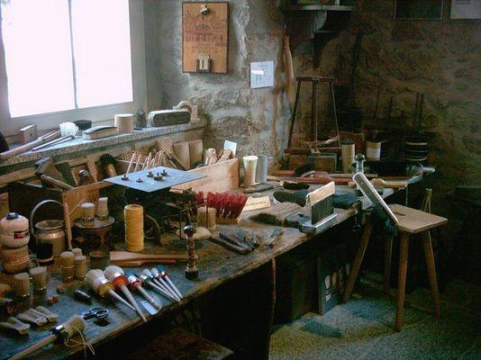 Arbeitsplatz eines Bürstenmachers - Schönheide; Heimatmuseum