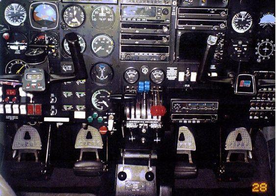 Arbeitsplatz Flugzeug - Piper Seneca III