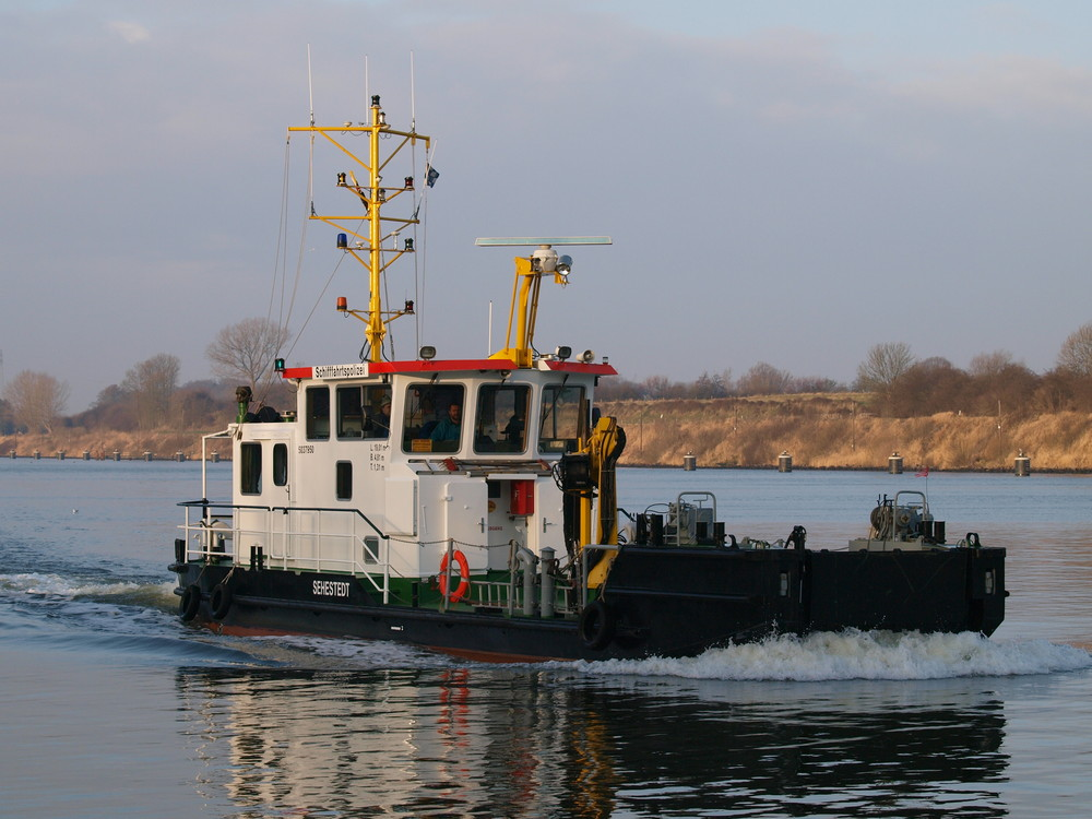 Arbeitsschiff SEHESTEDT auf dem Nord-Ostsee-Kanal