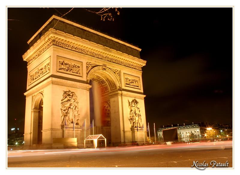 Arc de Triomphe, veille des commémoration du 11 novembre