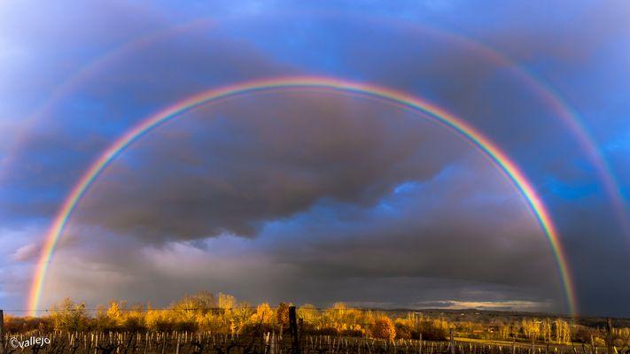 arc-en-ciel sur la campagne bergeracoise