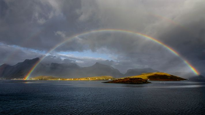 Arc en Ciel sur les îles Lofoten