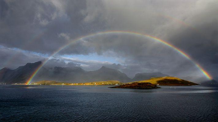 Arc en Ciel sur les îles Lofoten