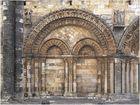 Arcature gauche de la façade de l'Eglise Saint-Nicolas de Civray