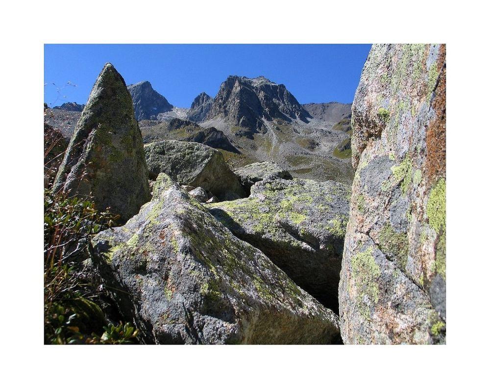 Architektur der Berge. Alp Tschitta oberhalb Bergün.