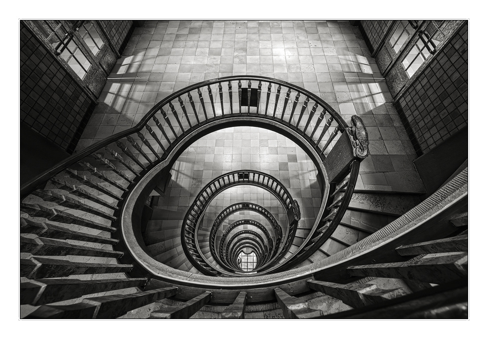 Expressionismus Architektur: Architektur Des Expressionismus Foto & Bild