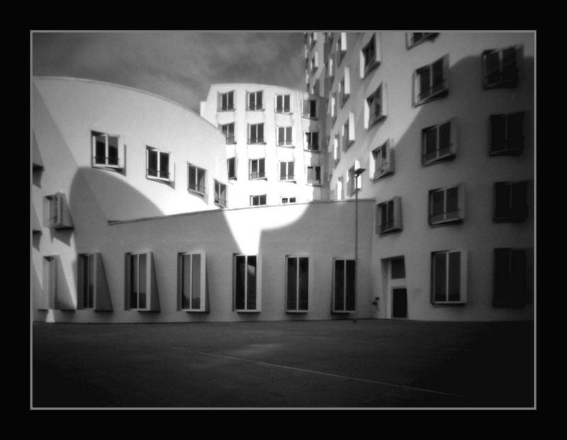 Architektur in Düsseldorf / Gehry #1