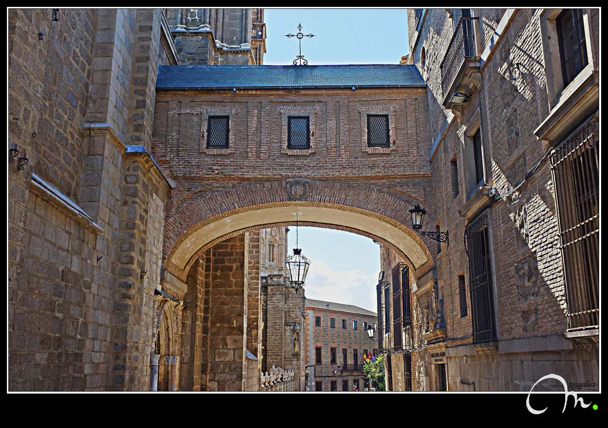 Arco del Cardenal Cisneros