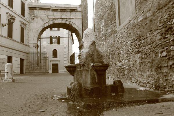 Arco di Gallieno ( Porta Esquilina )