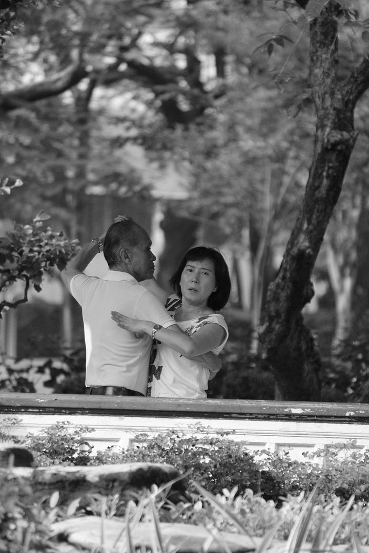 Argentinian Tango rehearsal in Lumphini Park, Bangkok