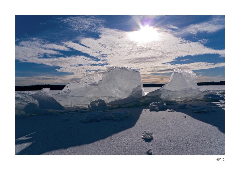Arktis mit Eisbergen