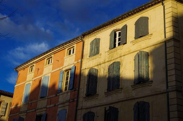 Arles et ses ombres