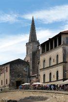 Arles - Markt am Amphietheater