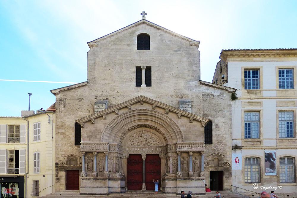 Arles - Platz der Republik - Kathedrale St. Trophime