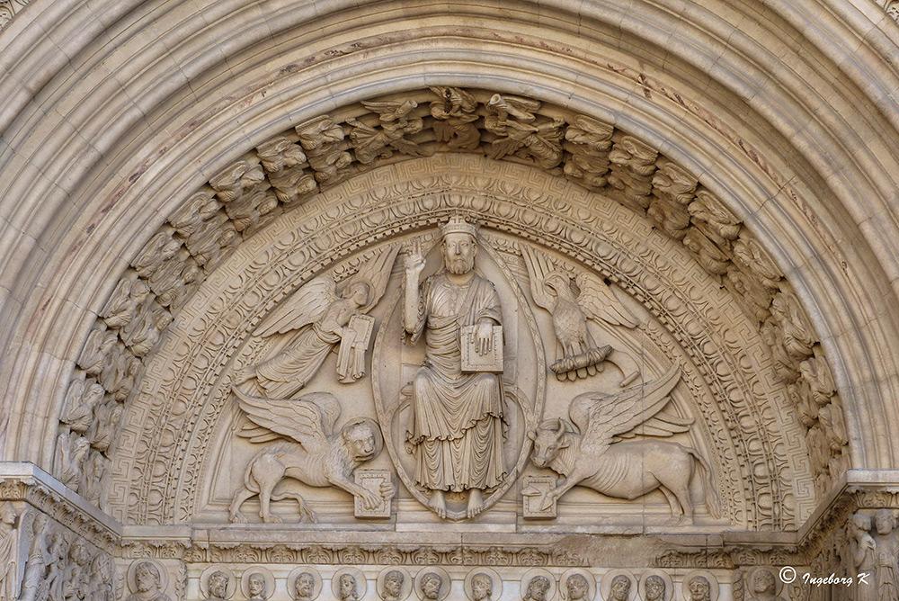 Arles - Platz der Republik - Kathedrale St. Trophime - Detail über dem Eingangsportal