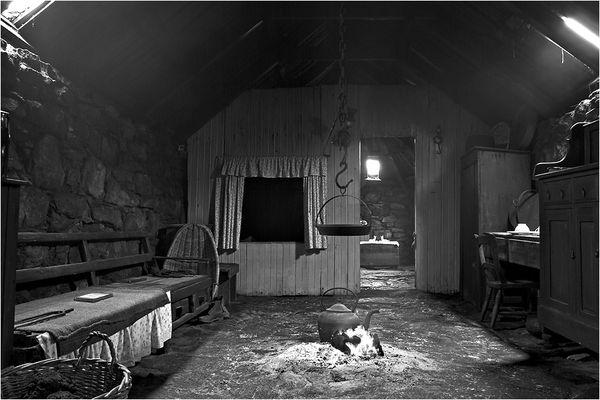 Arnol Black House