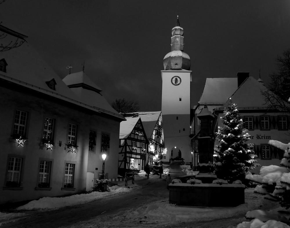 Arnsberg im Schnee (diesmal in s/w)