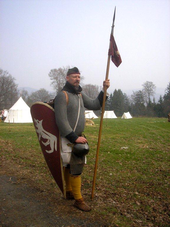 Arnulfo Theodorici filio est...
