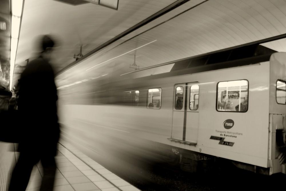 arriva il metro fantasma