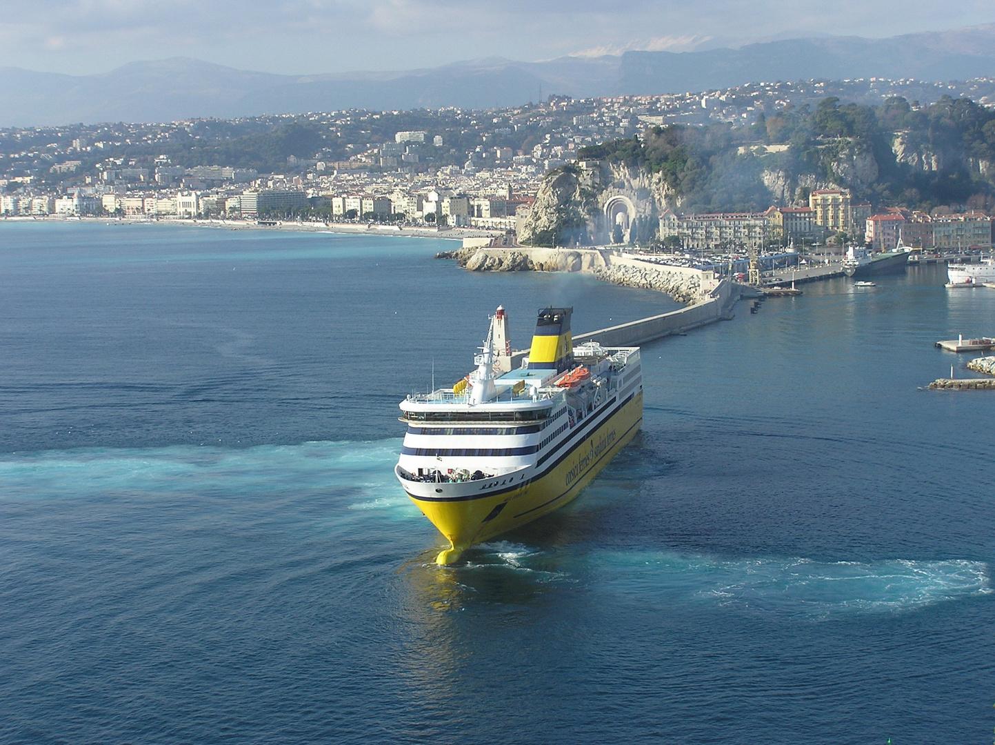 Arrivée à Nice du ferry corsica-sardinia