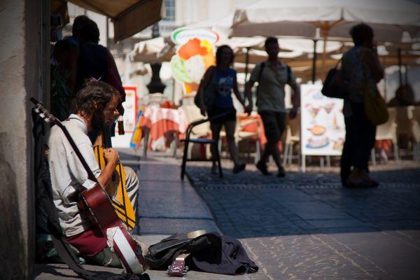 Artista di strada a Mantova