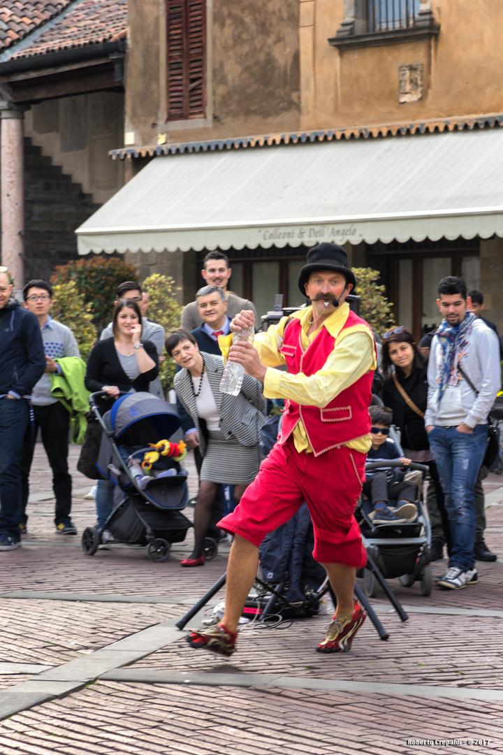 Artista in piazza Vecchia