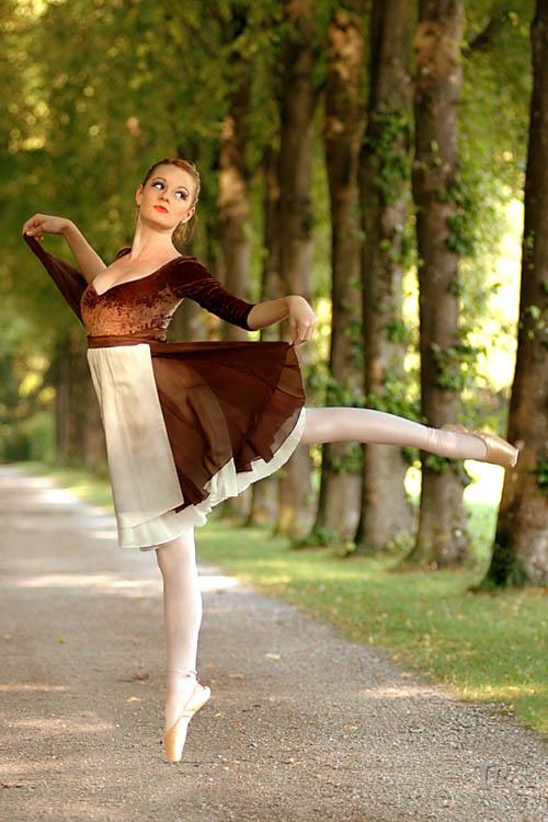 Aschenputtel tanzt im Schloßpark