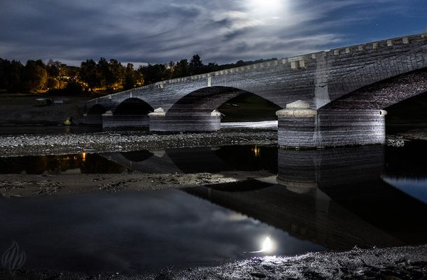 Aseler Brücke bei Mondschein