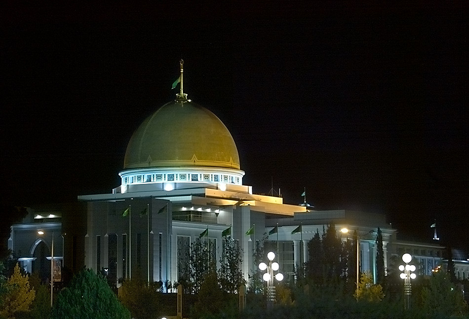 Ashgabat_190605_01