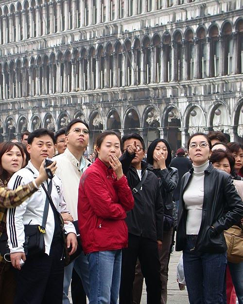 Asiaten am Markusplatz