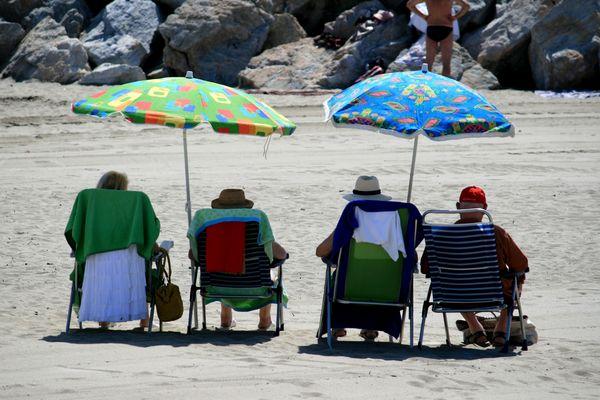 Assis à la plage