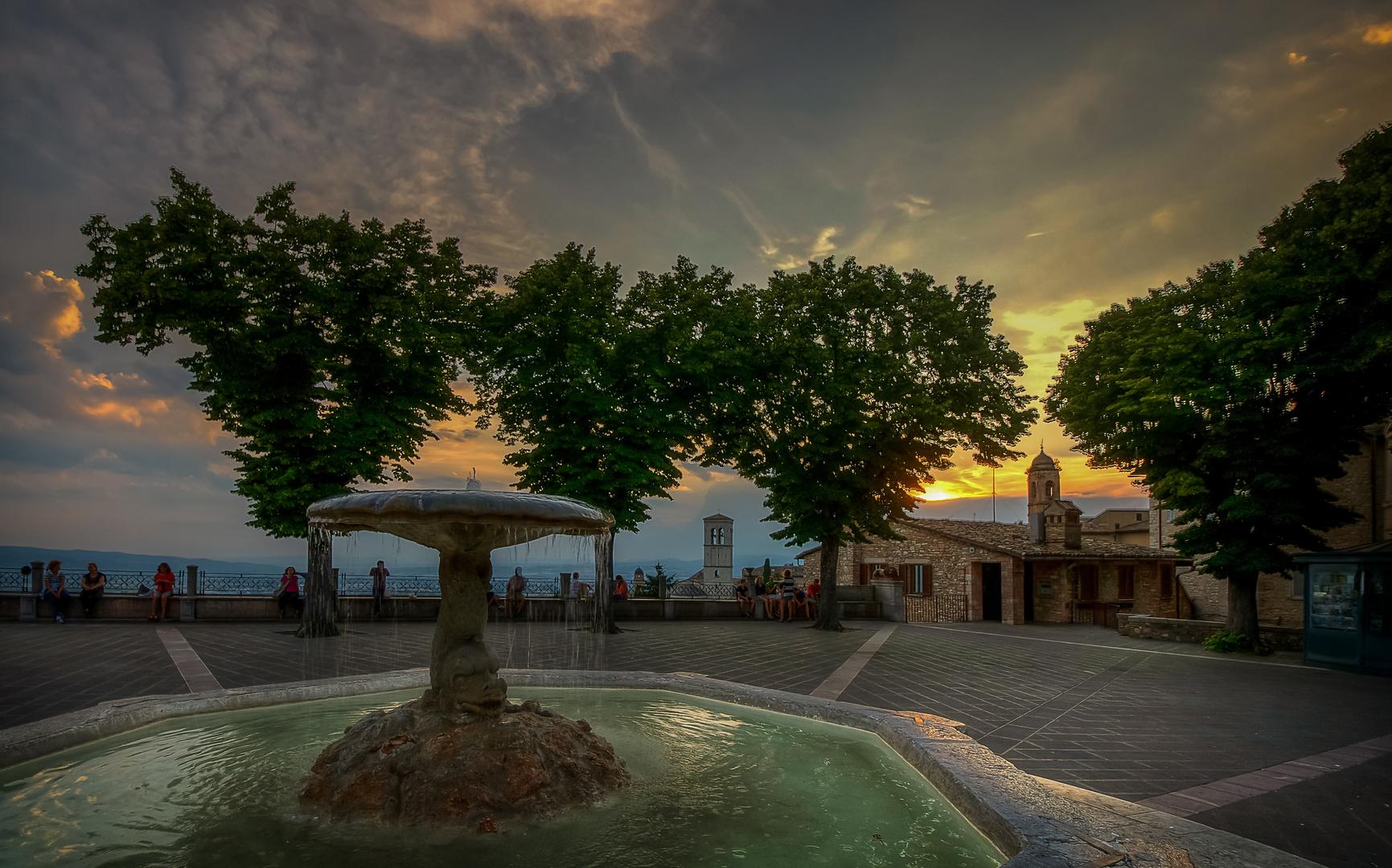 Assisi in der Dämmerstunde