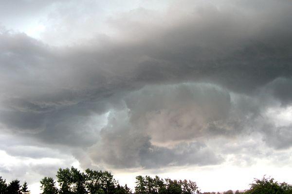 Assoziation mit Tornado?
