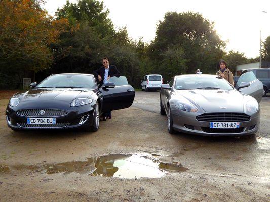 Aston contre Jaguar, un cousin et une cousine... Qui va gagner ?