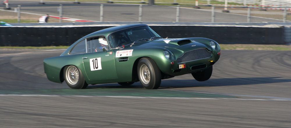 Aston Martin am Limit