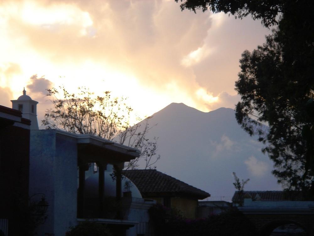 Atardecer en Antigua, Guatemala