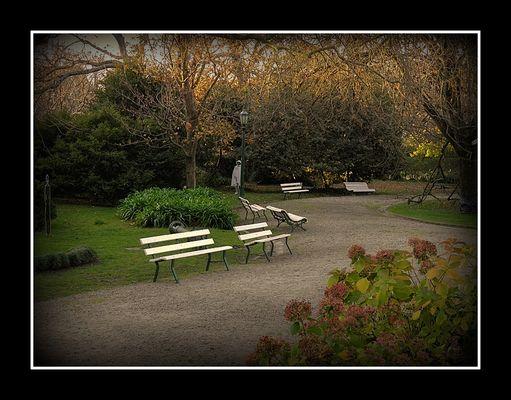 atardecer en el jardin de Villa Victoria