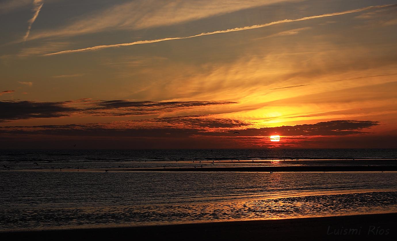 Atardecer En La Playa De La Bota, Huelva Imagen & Foto