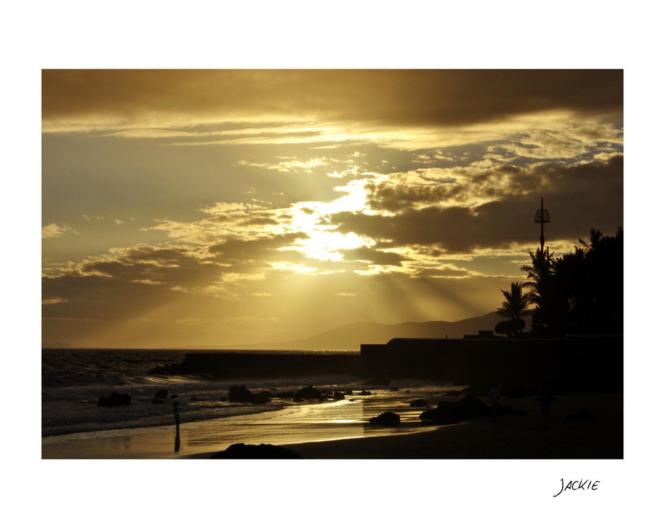 Atardecer en la Playa del Puerto del Carmen ( Lanzarote)