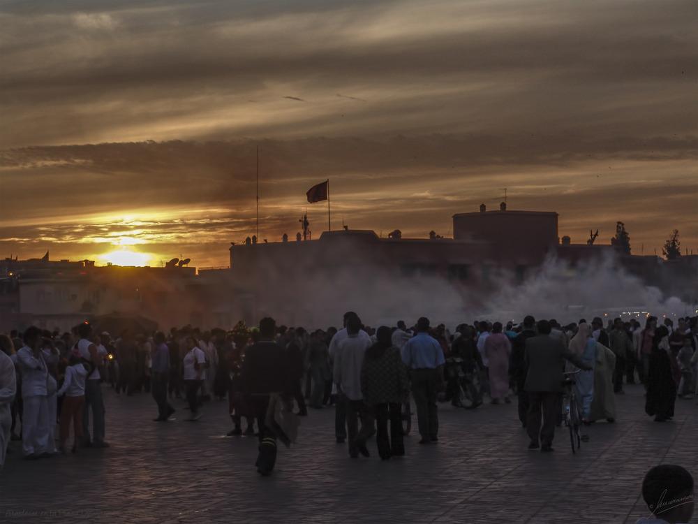 Atardecer en la Plaza Djemaa el Fna (Marrakech Marruecos)