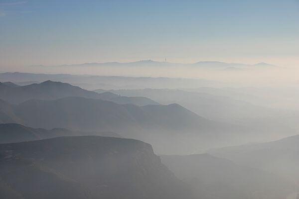 atardecer en las montañas de Montserrat