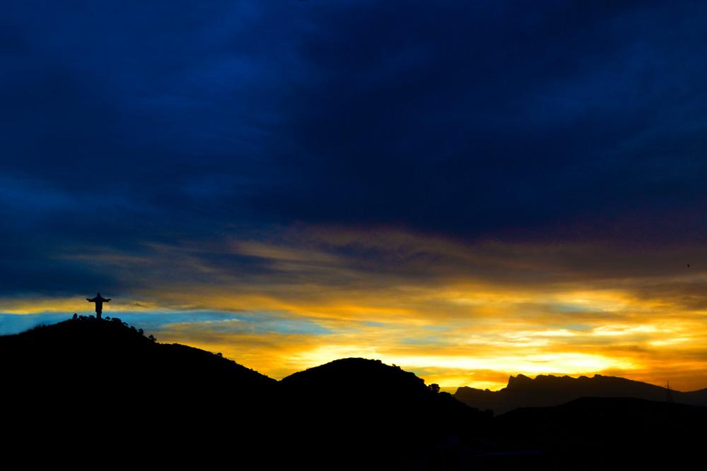 Atardecer en los contextos de Cochabamba
