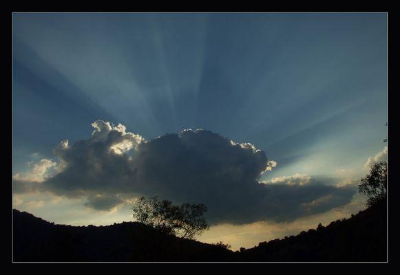 Atardecer entre nubes
