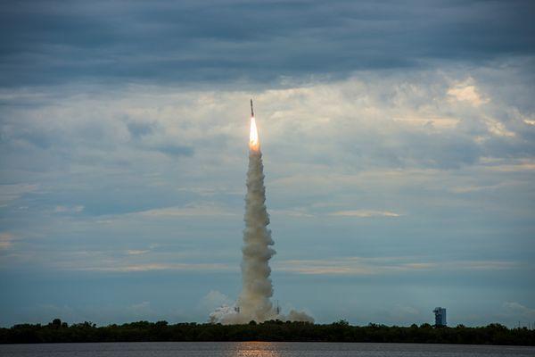 Atlas V-551 Rocket Launch 19.7.2013