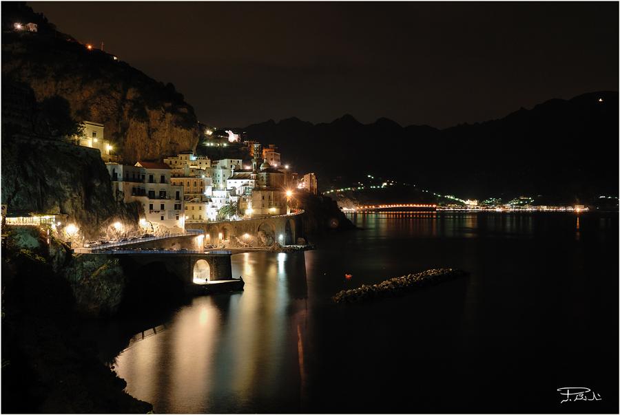 Atrani vista notturna - Costiera Amalfitana