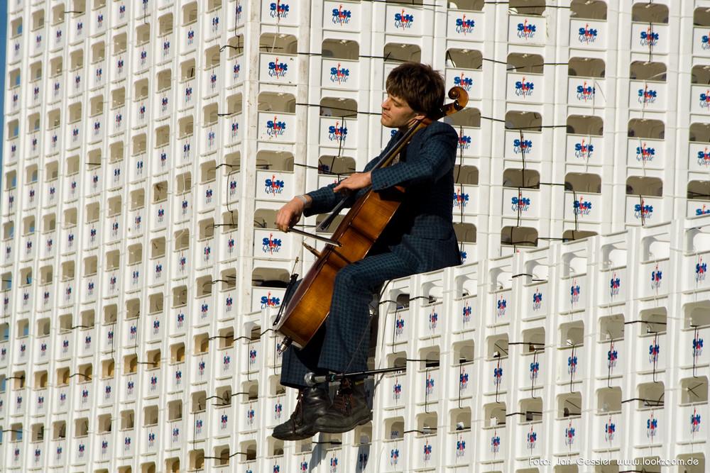 Attension Festival 2007 - Cello auf dem Wasserschloß