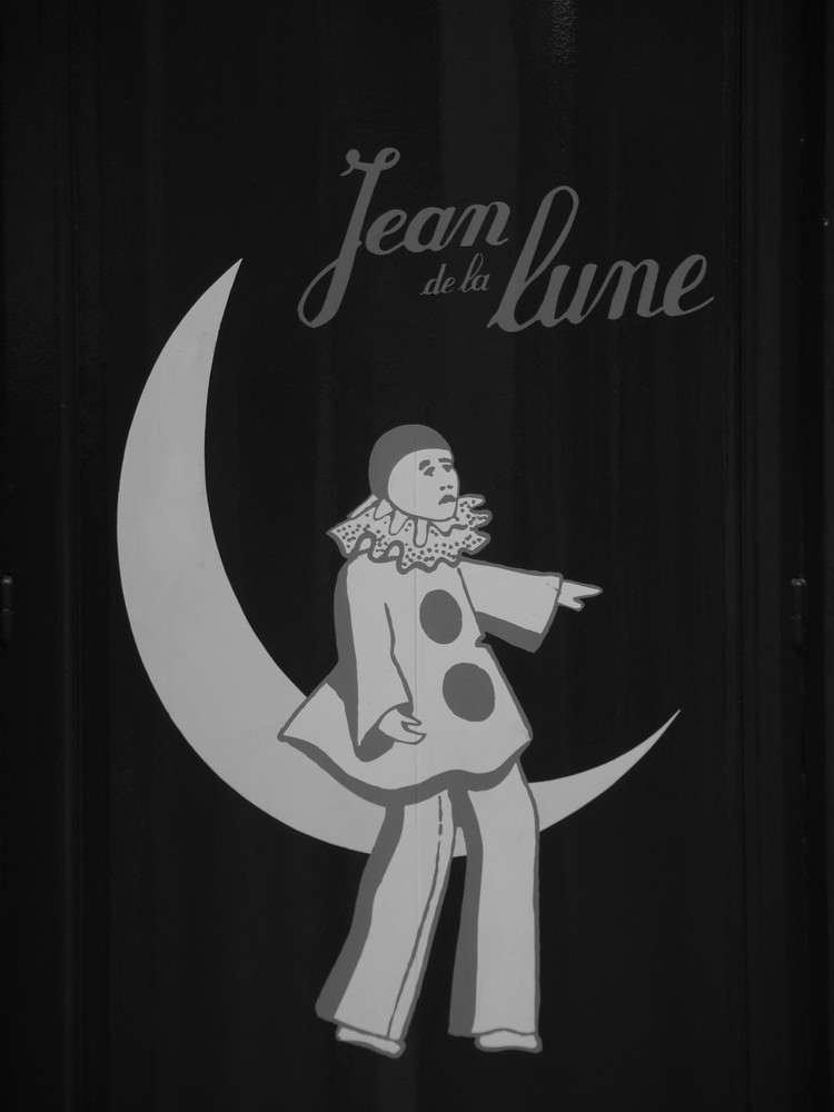 Au clair de la lune ...