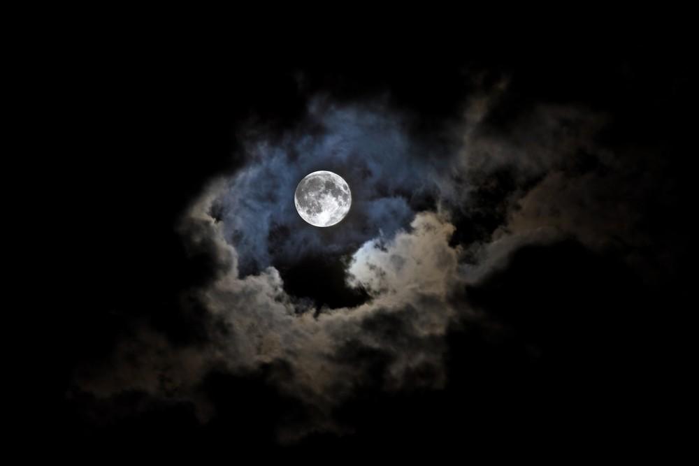 Au claire de la lune ...